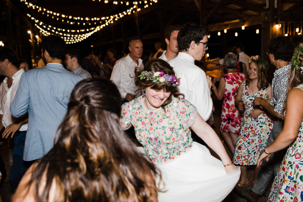 an epic dance party at a farmers' market wedding © 2018 - ALLISON USAVAGE